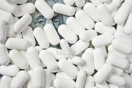 Photo pour Comprimés et pilules - image libre de droit
