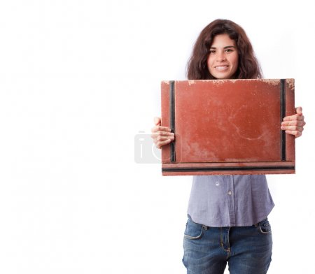 glückliches Mädchen mit einer ledernen Brieftasche