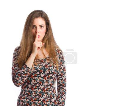 Photo pour Jeune fille silence geste - image libre de droit