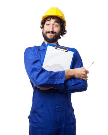 Photo pour Homme travailleur heureux avec formulaire - image libre de droit