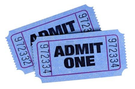 Photo pour Deux bleues admettre un billets isolé sur fond blanc. - image libre de droit