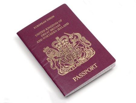Photo pour Passeport européen britannique - image libre de droit