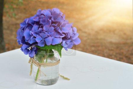 Foto de Ramo de hortensias azules. Decoración de flores de boda otoño - Imagen libre de derechos