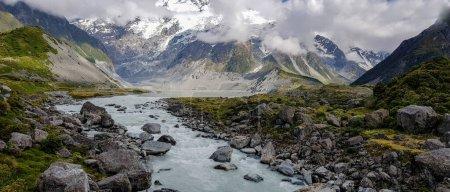 Photo pour Rivière dans la vallée Hooker dans le parc national du Mont Cook Aoraki - image libre de droit