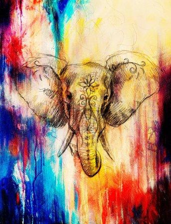Photo pour Éléphant avec ornement floral, dessin au crayon sur papier. Effet de couleur et collage informatique - image libre de droit