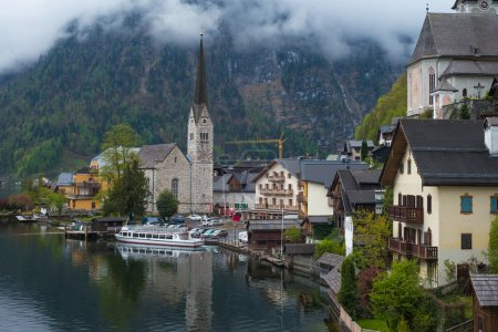 Photo pour Belle ville Hallstatt du patrimoine mondial de l'UNESCO - image libre de droit