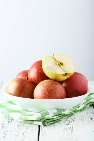 Fresh apples in bowl