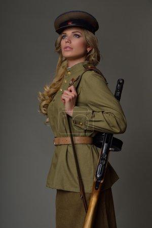 Photo pour Belle fille en uniforme - image libre de droit