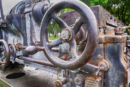 Old  metal mechanism
