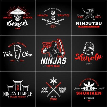 Ensemble de Japon Ninjas Logo. Insigne d'arme Katana design. Mascotte de ninja vintage. Art martial Team t-shirt illustration concept .