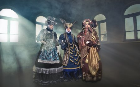 Women in  medieval costume s