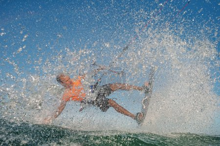 Kitesurf freestyle man