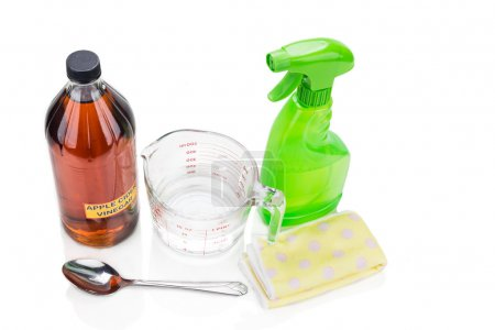 Apple cider vinegar, effective natural solution for house cleaning, pesonal and pets care