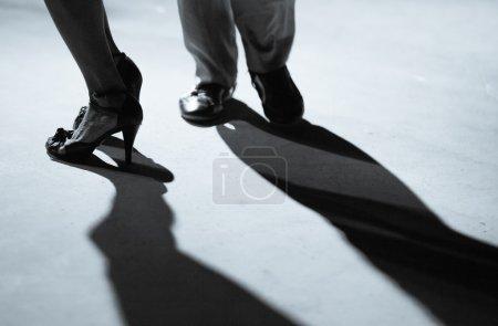 Photo pour Tango, détails dans la salle de bal, Italie - image libre de droit
