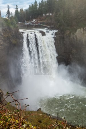 Powerful Snoqualmie Falls 3