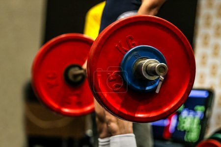 powerlifter exercise deadlifts