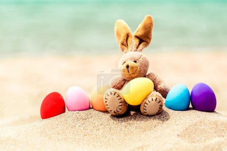Easter bunny and color eggs