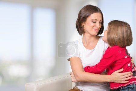 Photo pour Mère, enfant, câlin . - image libre de droit
