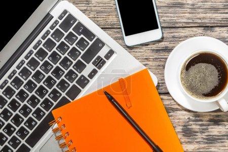 Foto de Desktop, laptop, aplicaciones. - Imagen libre de derechos