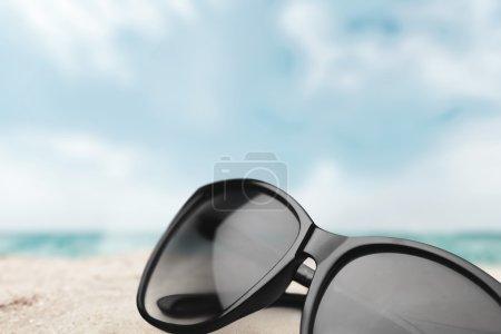 Photo pour Lunettes de soleil, blanc, vision . - image libre de droit