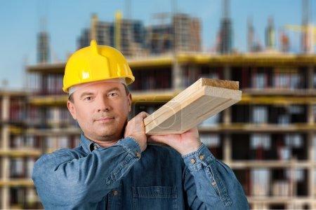 Photo pour Ouvrier du bâtiment, Construction, charpentier. - image libre de droit