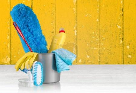 Photo pour Nettoyage, nettoyage, femme de chambre. - image libre de droit