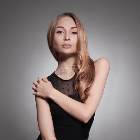 Photo pour Belle fille. portrait de woman.fashion beauté cheveux sains - image libre de droit