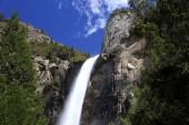 Vodopád v Yosemitském národním parku