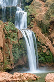 Městě Ouzoud vodopády v Grand Atlas vesnice Tanaghmeilt