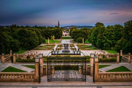Photo pour Vigeland sculpture park on amazing sunset, Oslo, Norvège - image libre de droit