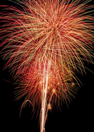 Photo pour A grand finale fireworks display. - image libre de droit