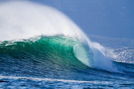 Big ocean wave