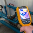 Measuring the heat of pipes with thermal imaging camera