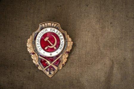 Photo pour Soviétique ordre insigne Scout Excellent. lieu d'inscription. Fête de la victoire. Le 9 mai - image libre de droit