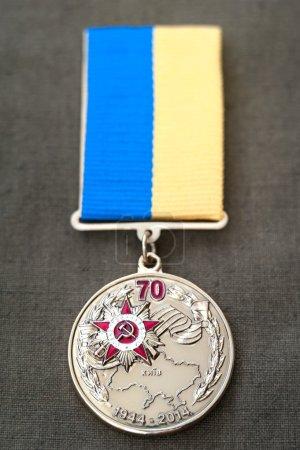 Photo pour Médaille de la libération de l'Ukraine des Nazis de 70 ans - image libre de droit