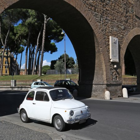 Old Fiat 500 in Rome