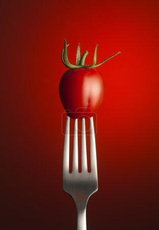 Foto de Tomate en horquilla - Imagen libre de derechos