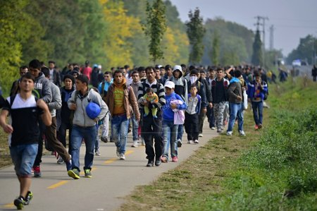 refugees leaving Hungary