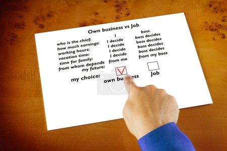 Photo pour Que vous choisirez : propre entreprise ou emploi - image libre de droit