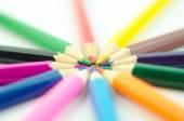 Zářivě barevné tužky