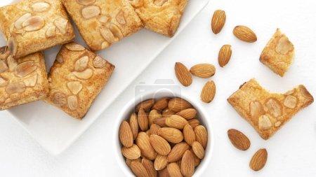 Gebackene Kekse mit Mandeln. Auflösung und hohe Qualität schönes Foto