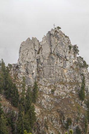 Photo pour Astuce de Demmel - autrefois une destination populaire pour les grimpeurs et les alpinistes a été arbitrairement enfermé par les autorités locales en raison du danger présumé de chutes de roches - image libre de droit
