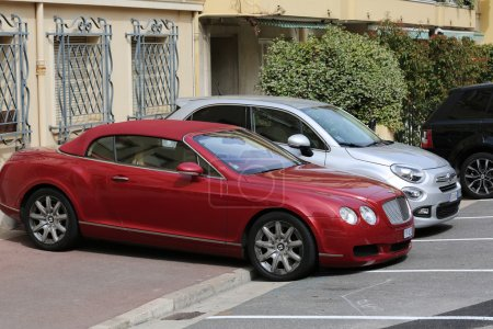Luxury Bentley Continental GTC Badly