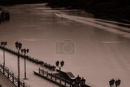 Photo pour Nuit ville Tioumen - image libre de droit