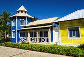 Dřevěné barevné domy