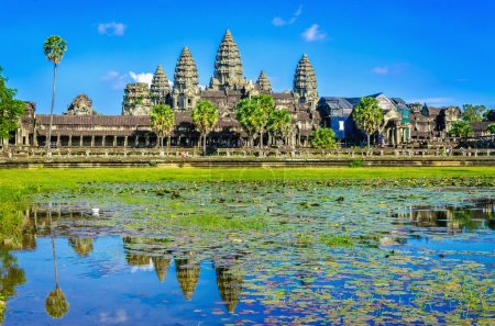 Angkor Wat template reflection in lake, Cambodia