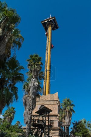 Photo pour Port Aventura Espagne. Attraction à couper le souffle - image libre de droit