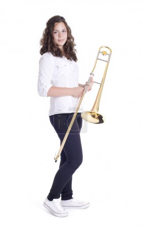 Adolescente avec trombone