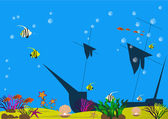 Potopená loď v mořské dno s mušlemi, řasy, ryby a písečné dno
