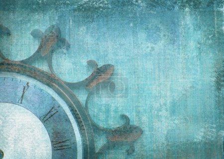 Photo pour Fragment de la vieille horloge de mur avec des chiffres romains sur fond grunge. Composition abstraite pour votre conception. Bleue illustration du cadran d'horloge partie sans flèches en forme de roue de bateau. - image libre de droit